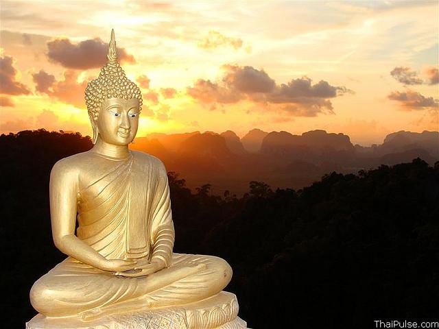 Buddha Statue at top of Wat Tum Sua, Krabi Town, Thailand. Photograph by Vern L via Flickr